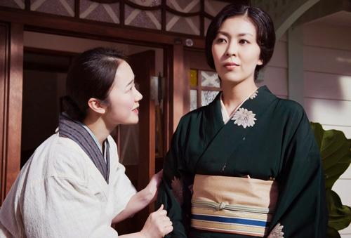 Protagonistas femeninas en una escena del film
